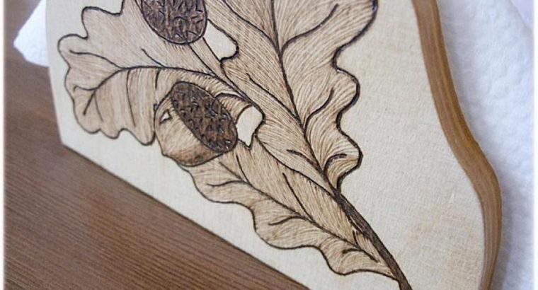 Деревянная подставка для салфеток