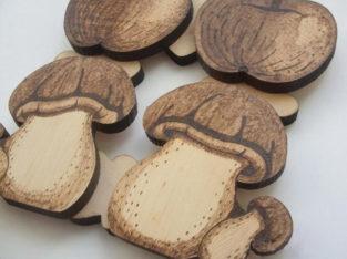 Деревянные подставки под чайник или кружку