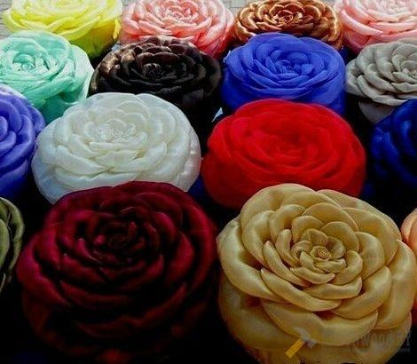 Подушки-розы ручной работы