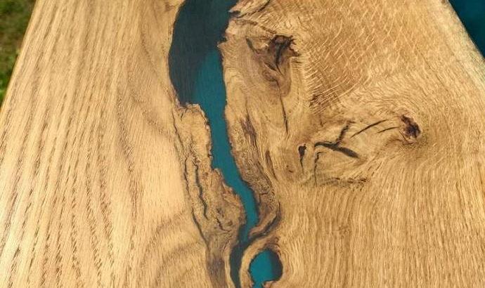 Журнальный стол река из массива дуба
