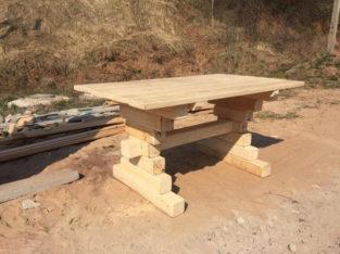 Стол из массива сосны для дома и дачи