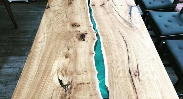 Стол-река в стиле лофт