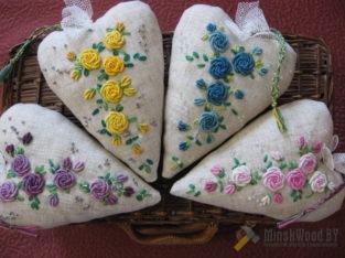 Сердечки текстильные с вышевкой